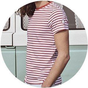 Zoom avant t-shirt calypso rouge