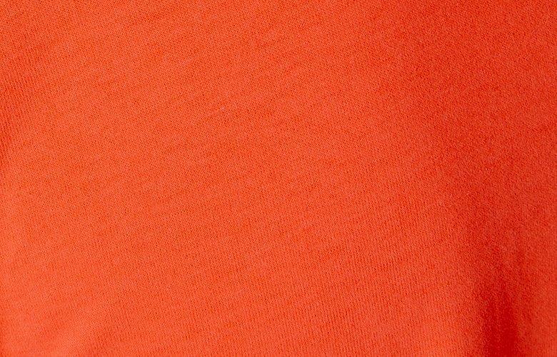 Zoom matière polo monture rouge